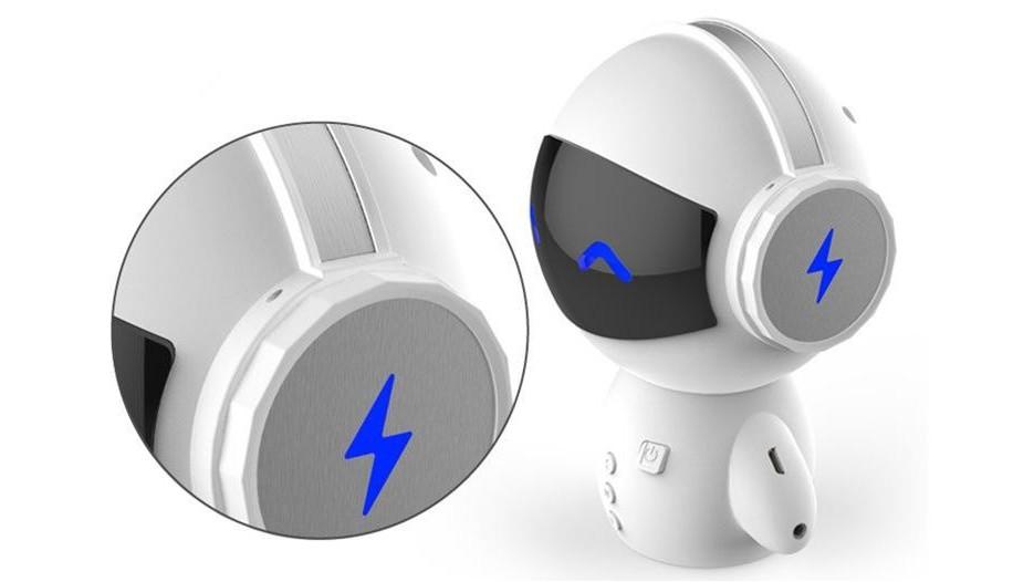紫色ABS免喷涂塑料在机器人部件上的应用案例